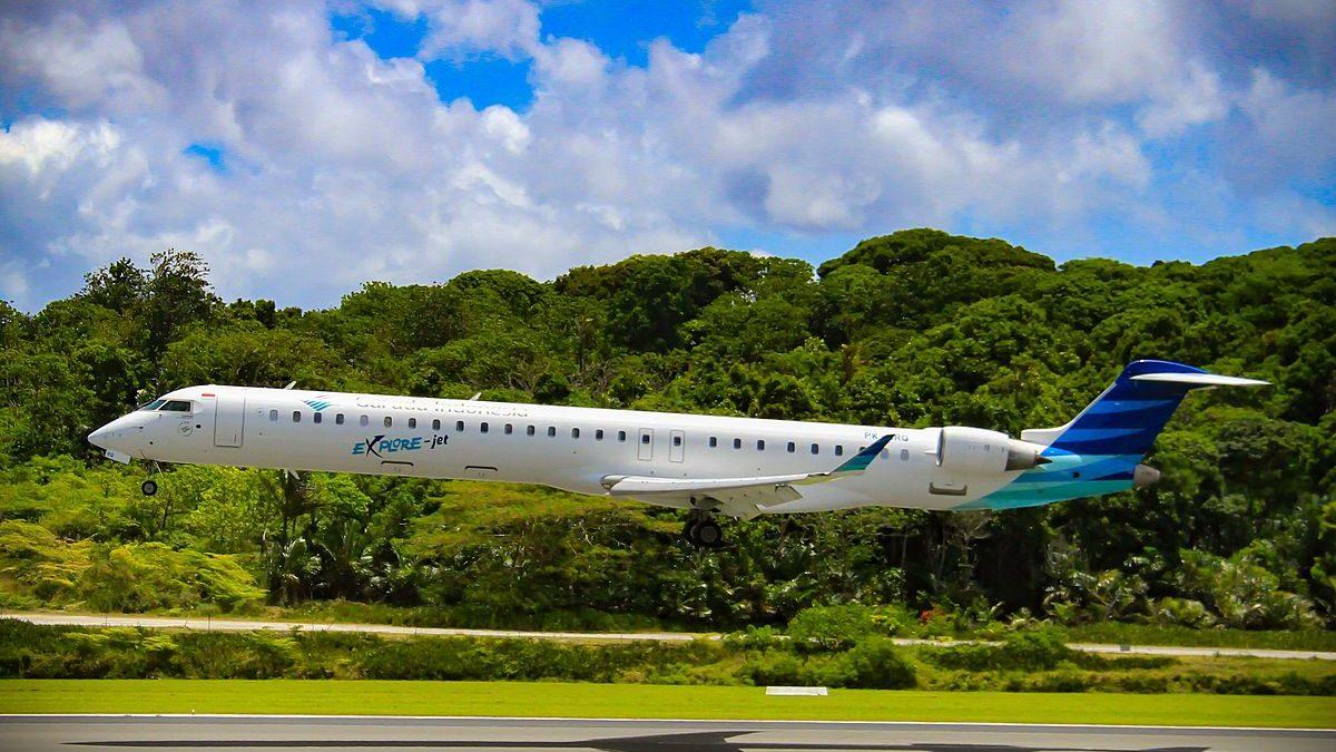 Garuda Phasing Out CRJ1000s